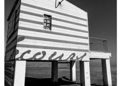 gruissan centre de secours en noir et blanc